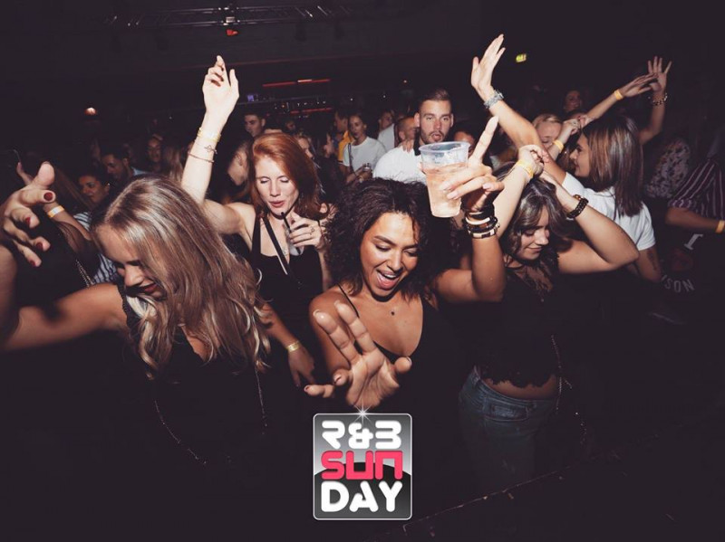 R&B Sunday XL - Paaszondag